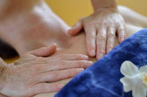 erotische massage rosenheim erotische lomi lomi massage